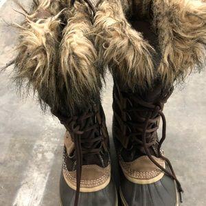 Sorel Shoes - Sorel Joan of Arctic boots size 9